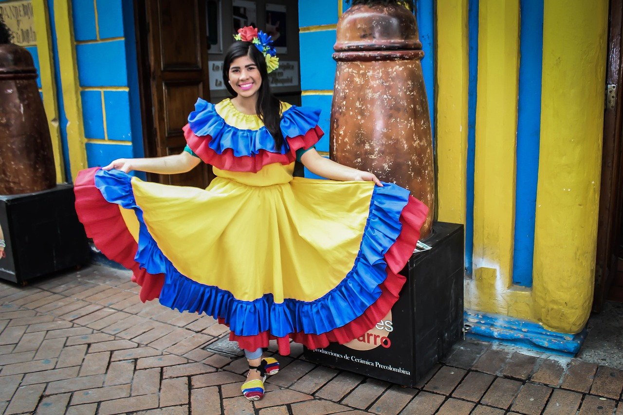 Colombian dancer in traditional attire