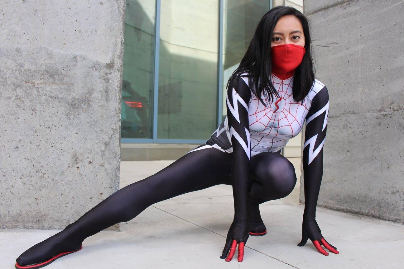 Alyssa disfrazado de Silk
