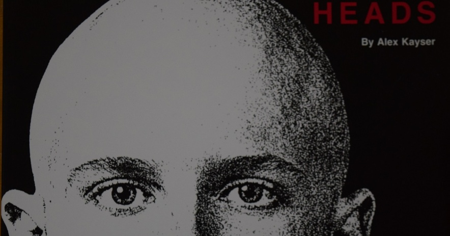 """Imagen: Portada de """"Heads"""" de Alex Kayser, con una foto de Craig Coleman."""