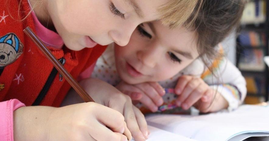 Trẻ em học tại nhà