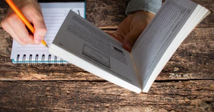 Viết ghi chú và xem sách