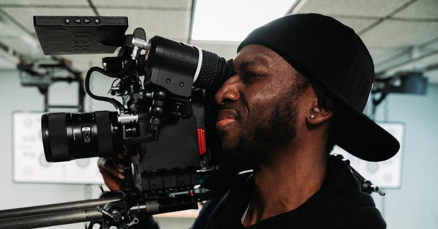看照相機的電影製片人