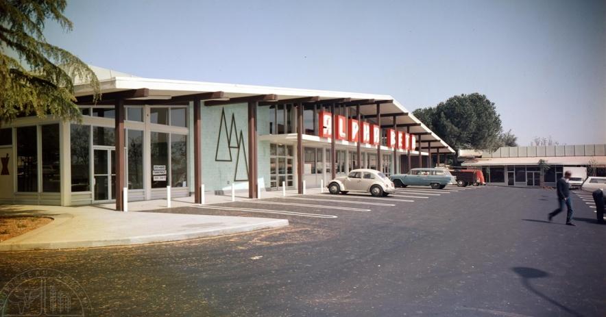 圖片:1968 年 XNUMX 月在伯德和明尼蘇達州的 Alpha Beta 超市。由蘇里索州立和地方學院提供tory
