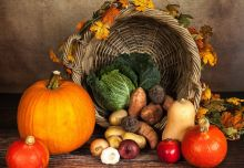 cornucopia with squash and other vegetables